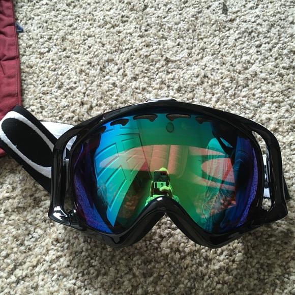 e843360f427 Oakley Prizm Ski Snowboard Goggles Unisex. M 5a988f3b46aa7cd5637d4b9f